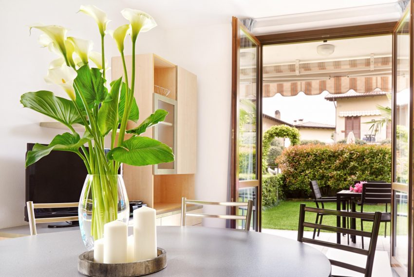 Residence Domaso _One Bedroom Apartment_Table