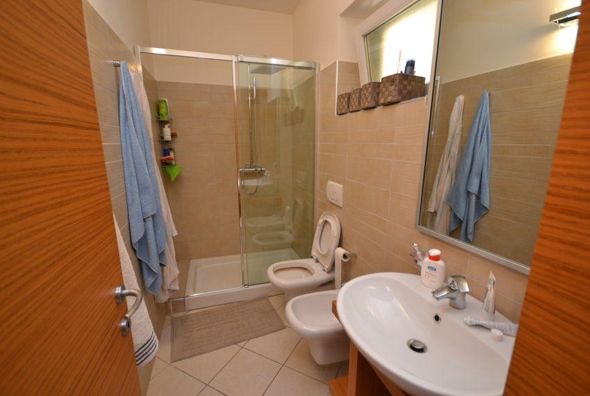 Lago di Como vercana appartamento in residence con piscina (3)