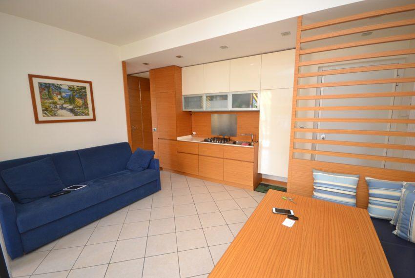 Lago di Como vercana appartamento in residence con piscina (4)
