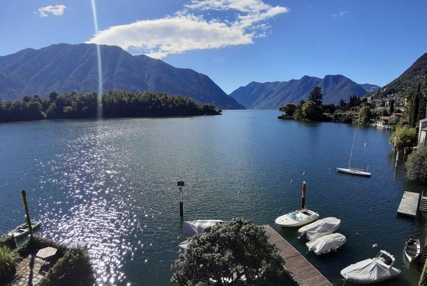 Lago Como Ossuccio attico fronte lago con posto barca (14)