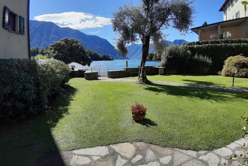 Lago Como Ossuccio attico fronte lago con posto barca (18)
