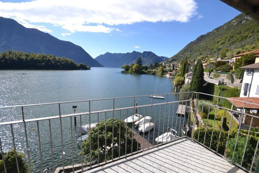 Lago Como Ossuccio attico fronte lago con posto barca (4)