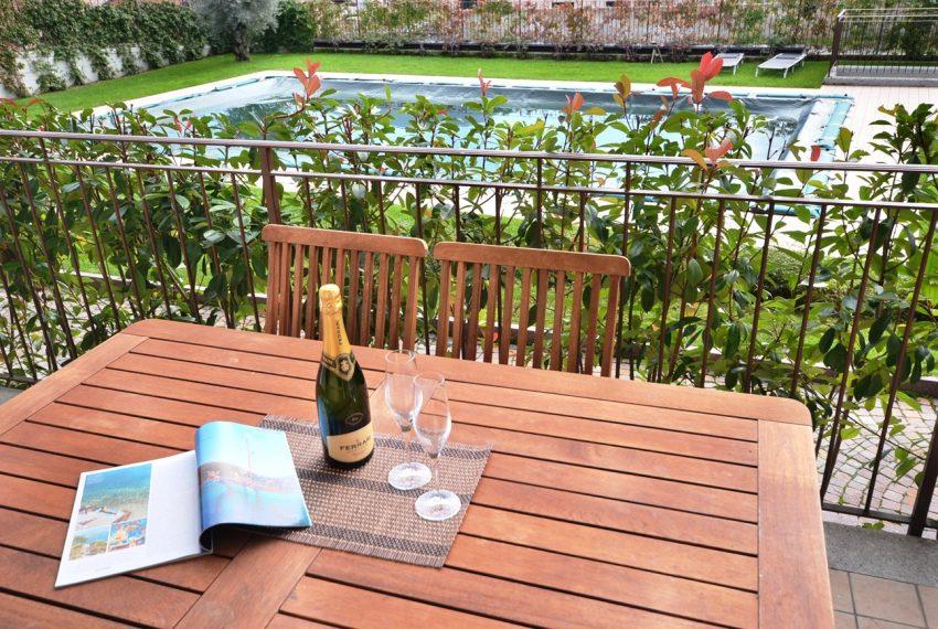 Lenno appartamento in residence con piscina. centro paese. posto auto compreso (11)