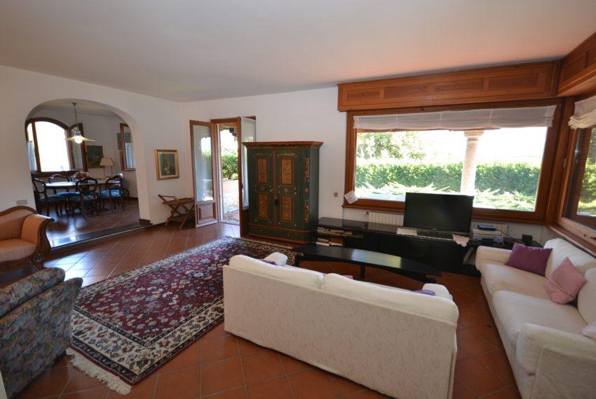 Menaggio villa indipendente con giardino e autorimessa. Vista lago. Lago di Como (20)