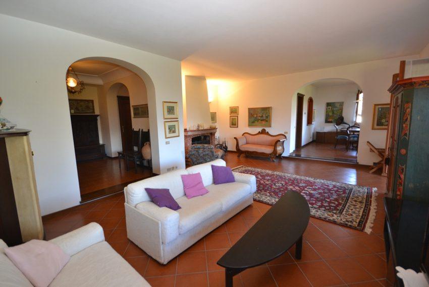 Menaggio villa indipendente con giardino e autorimessa. Vista lago. Lago di Como (3)