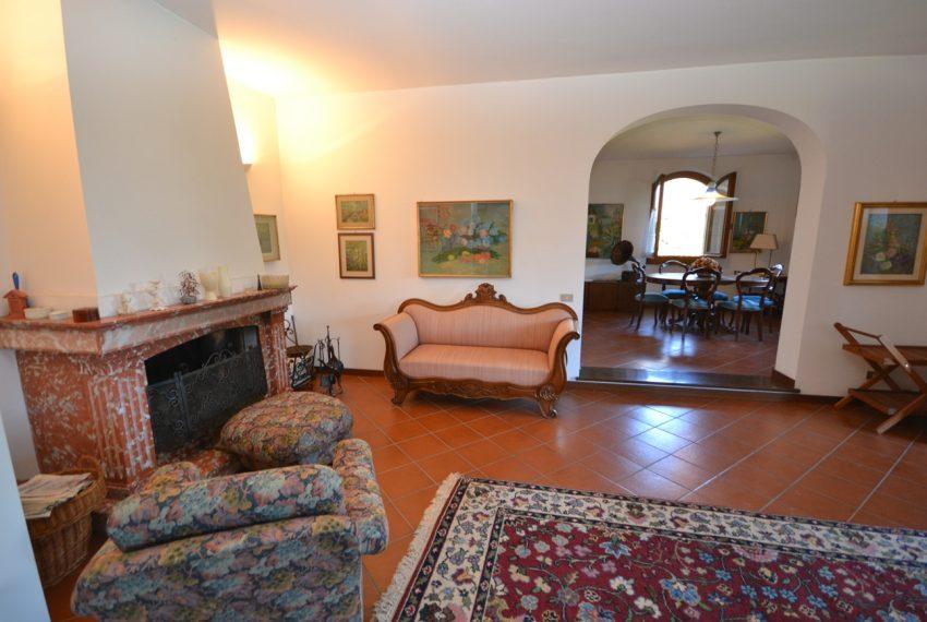 Menaggio villa indipendente con giardino e autorimessa. Vista lago. Lago di Como (4)