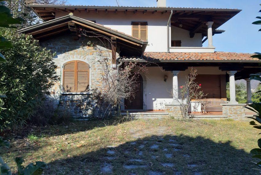 Menaggio villa indipendente con giardino e autorimessa. Vista lago. Lago di Como (5)