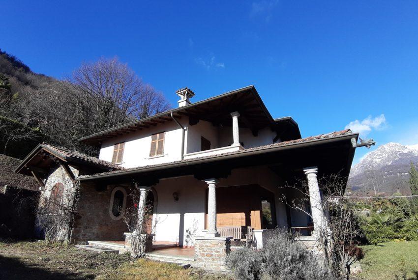 Menaggio villa indipendente con giardino e autorimessa. Vista lago. Lago di Como (6)