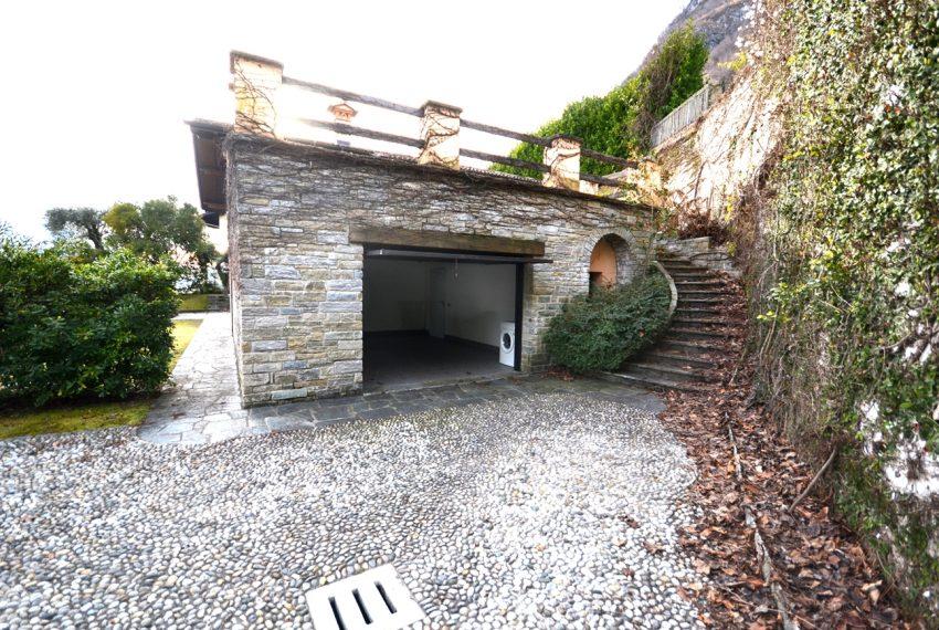 menaggio villa con giardino e garage vicino al centro (22)