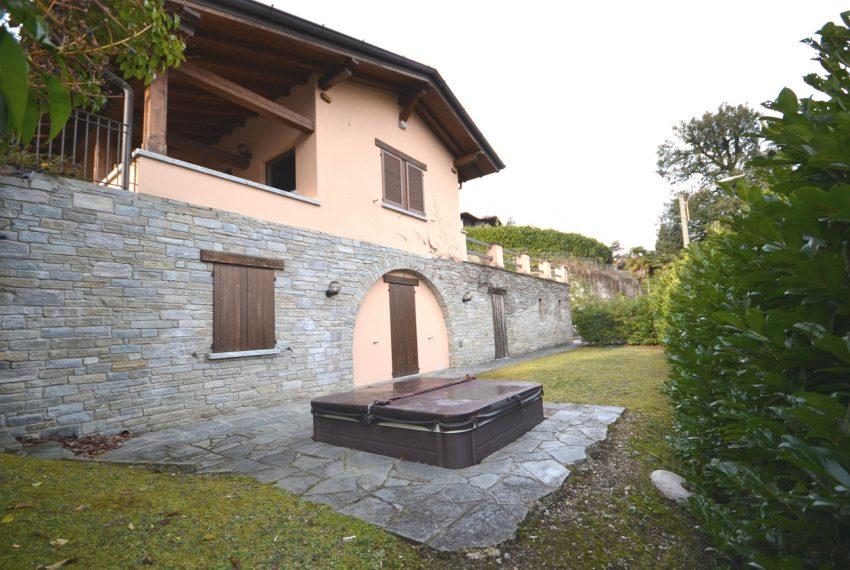 menaggio villa con giardino e garage vicino al centro (23)