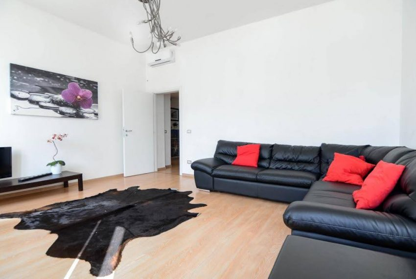 Ampio appartamento ristrutturato a Bellagio. centro paese (1)