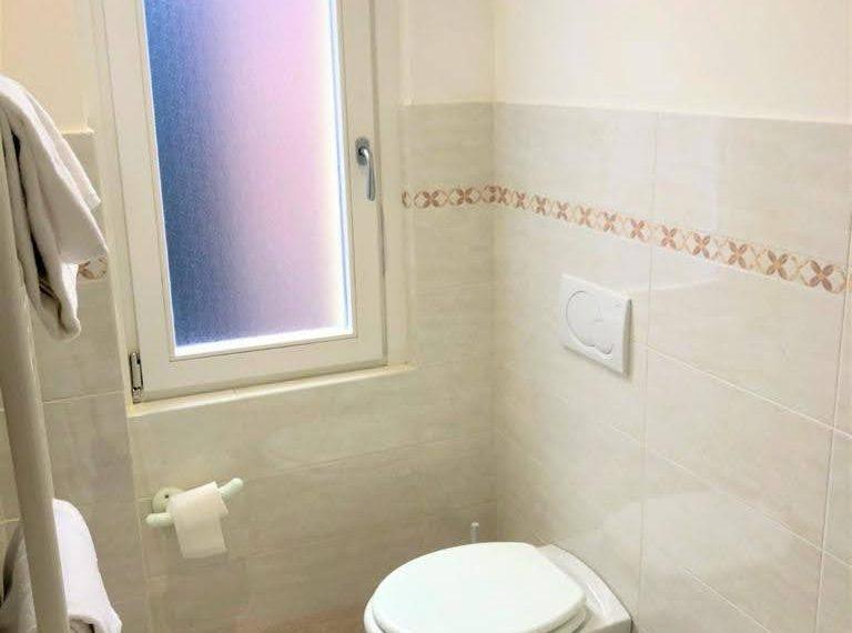 Ampio appartamento ristrutturato a Bellagio. centro paese (3)