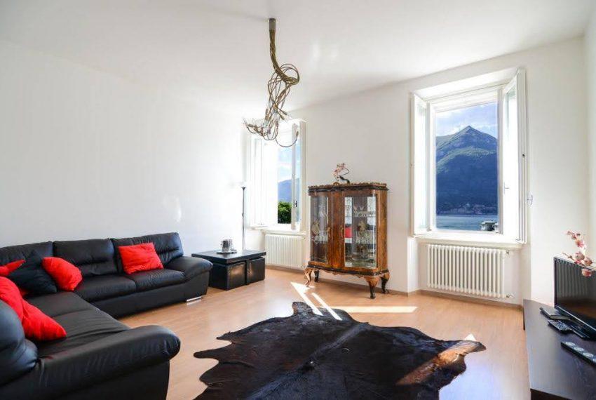 Ampio appartamento ristrutturato a Bellagio. centro paese (5)