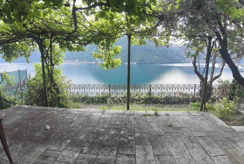 Argegno appartamento in vendita con giardino e vista lago stupenda (11)