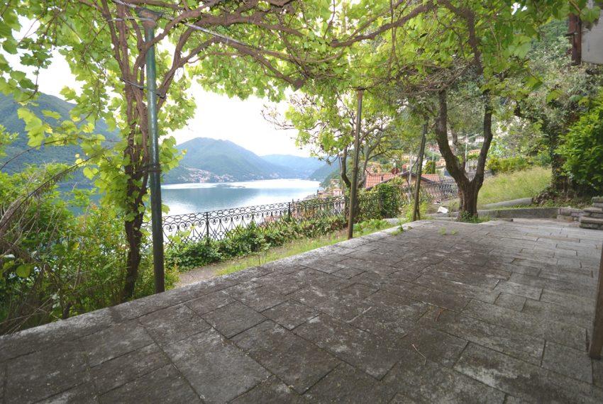 Argegno appartamento in vendita con giardino e vista lago stupenda (14)