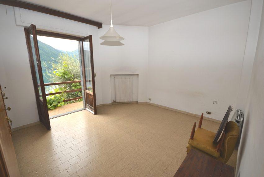 Argegno appartamento in vendita con giardino e vista lago stupenda (4)
