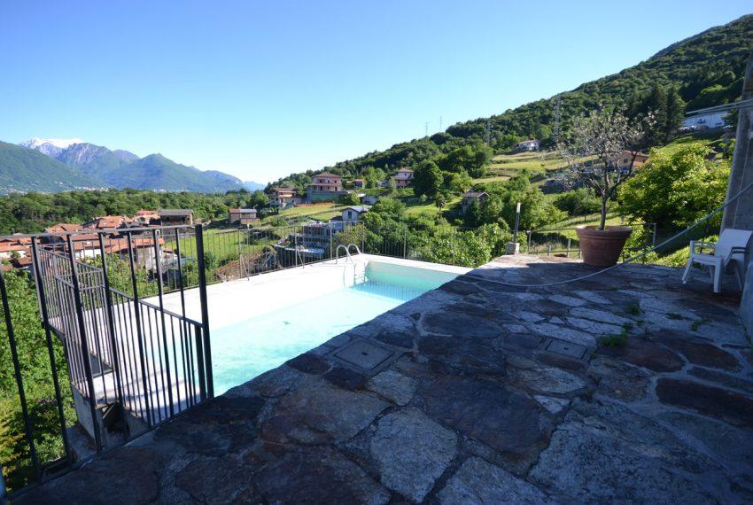 Lago Como appartamento in rustico con piscina, terrazzo e vista lago (21)