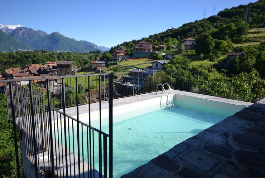 Lago Como appartamento in rustico con piscina, terrazzo e vista lago (22)