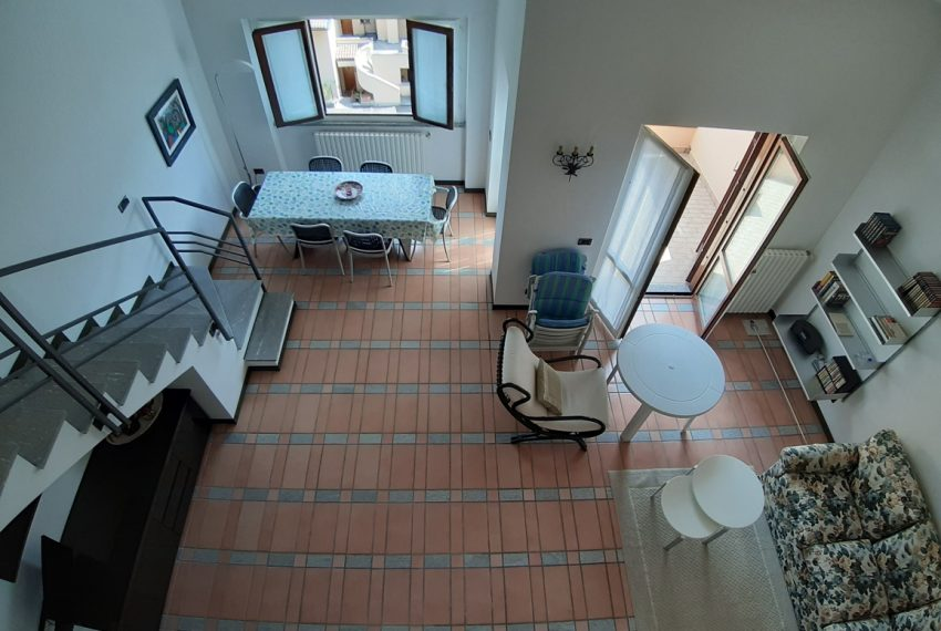 Menaggio appartamento in residence con piscina, ampio terrazzo, vista lago, garage. (10)