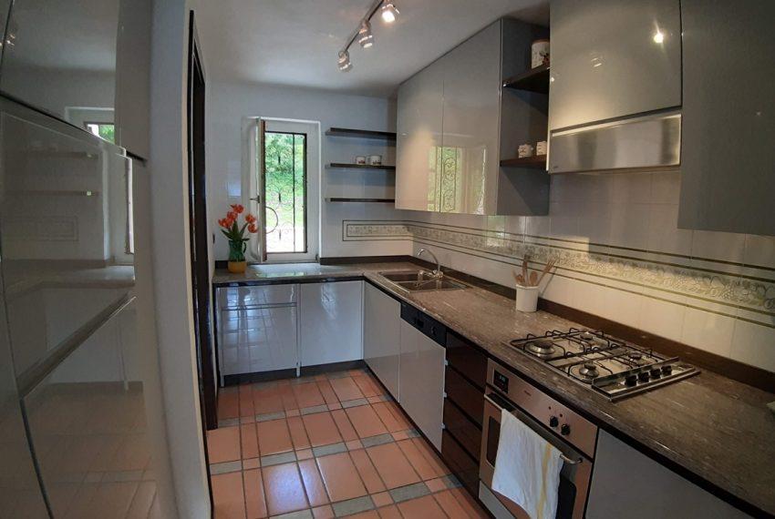 Menaggio appartamento in residence con piscina, ampio terrazzo, vista lago, garage. (17)