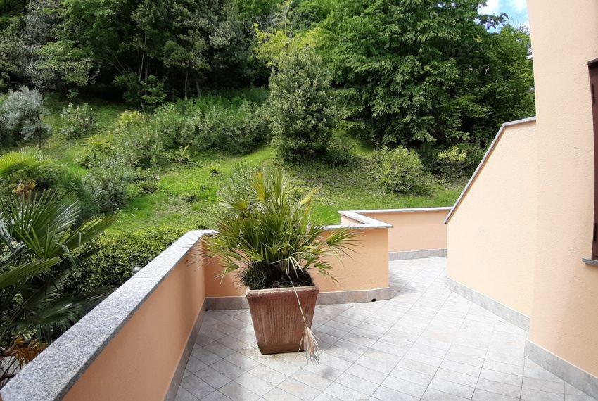 Menaggio appartamento in residence con piscina, ampio terrazzo, vista lago, garage. (4)