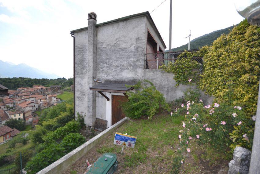 Pianello casa indipendente con giardino e vista lago (2)